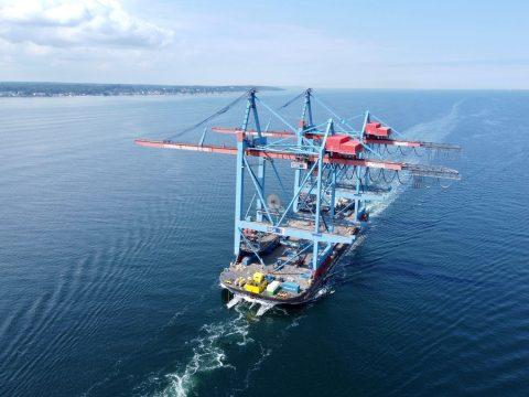 HHLA container cranes reach Tallinn