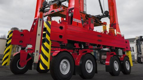 Kalmar books order for straddle carriers from MCT