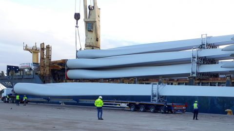 Mammoet handles wind farm equipment transport in South Africa