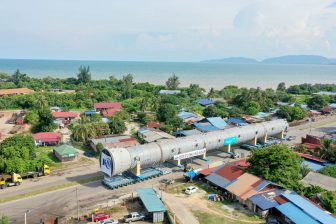 Oversized cargo rolls through Kuantan Port