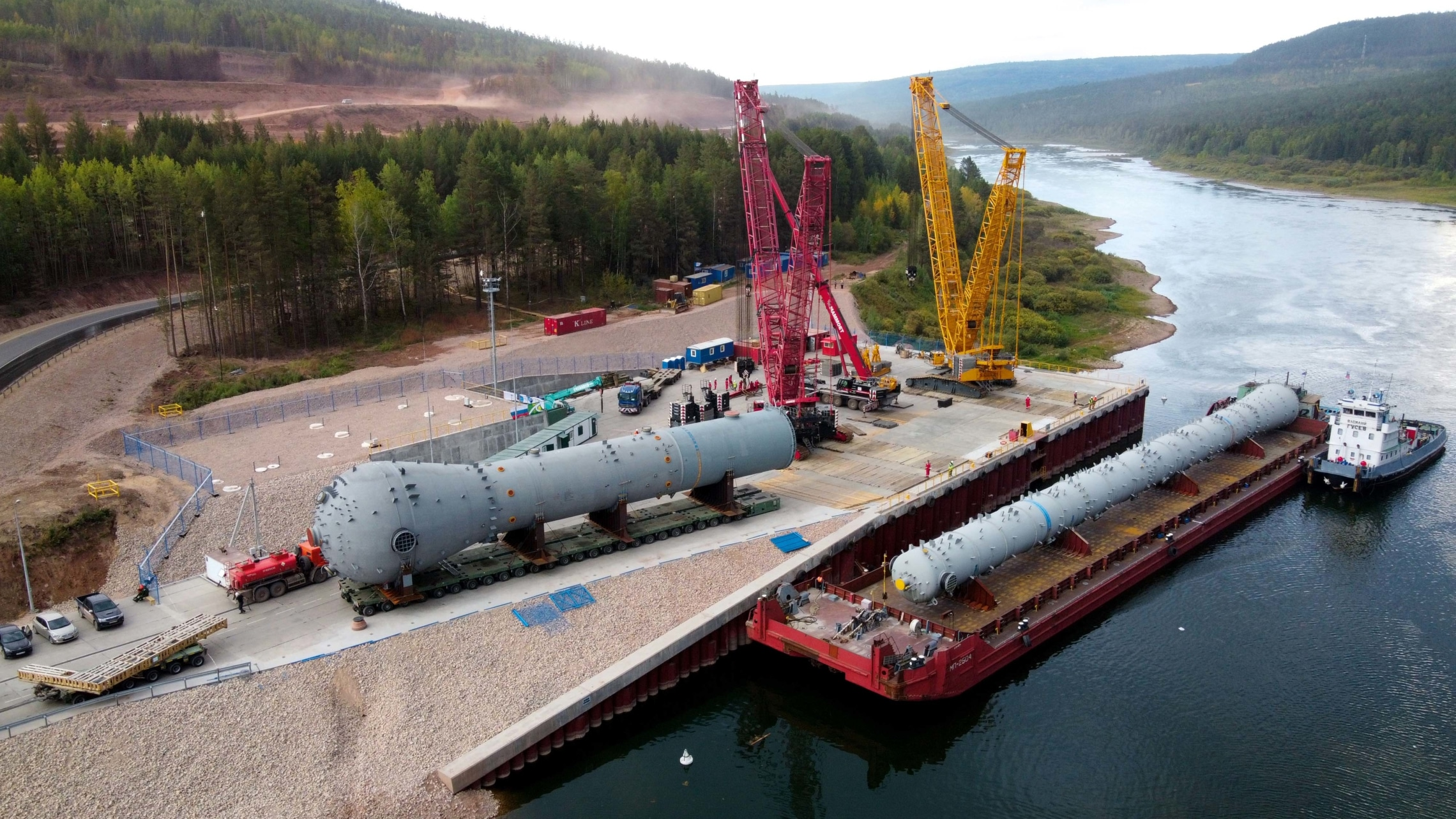 Project cargo transshipment at the Port of Tiksi