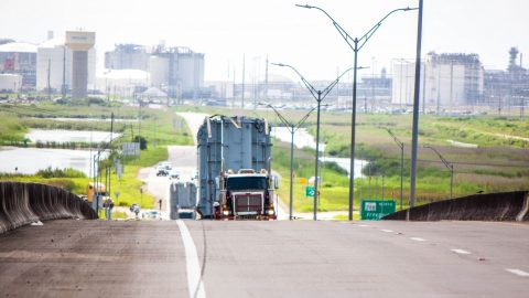 Mammoet brings Transformers to the roads of Texas