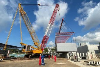 Mammoet handles heavy lift ops in Singapore